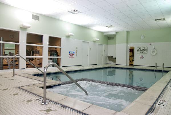 Detroit Hilton Garden Pool