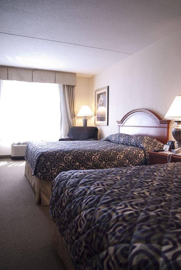 Detroit Hilton Garden Room